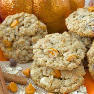 pumpkin-spice-monster-cookies-poitics-to-pastries
