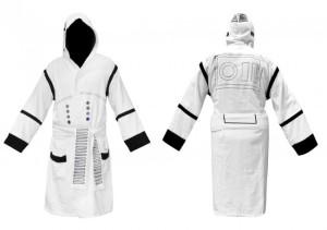 Star-Wars-Stormtrooper-Bathrobe-650x458