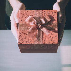 adult-birthday-birthday-gift-box-360624